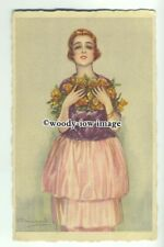 su2406 - Young Woman holds roses to her chest - artist S Bompard - postcard