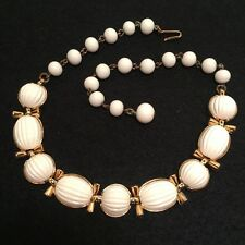 VINTAGE *TRIFARI* WHITE RIBBED THERMOSET LUCITE INSETS CHOKER NECKLACE!