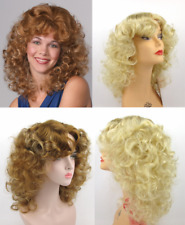 80'S WOMENS MEDIUM SHOULDER LENGTH WAVY CURLS CURLY SKIN TOP WIG W/ BANGS DOLLY