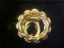 Vintage Fur Clip Round Wreath Shaped Gold Tone Smaller 3/4 Diam