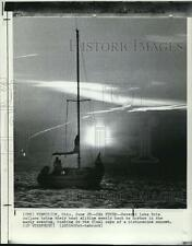 1973 Press Photo Lake Erie Sailors Bring Gliding Boat Gently Back To Harbor