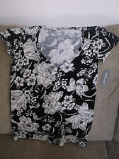 JUNIORS WOMEN'S WET SEAL TOP TEE SHIRT BLACK WITH WHITE FLOWERS V NECK NWT