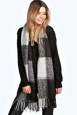 Boohoo Womens Ladies Natasha Boucle Large Check Oversize Scarf Tassles Wrap