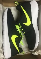 Nike Roshe Run One GS Black Volt 599728-032  Grade School 4.5-7