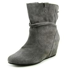 White Mountain Perfect   Round Toe Suede  Ankle Boot NWOB