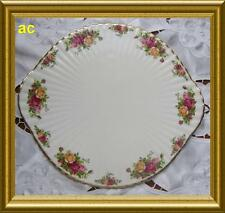 OLD COUNTRY ROSES REGAL CAKE PLATE ROYAL ALBERT ENGLAND