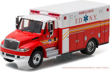 Greelight 33070-C 2013 International Durastar Ambulance FDNY 1:64 Scale Diecast