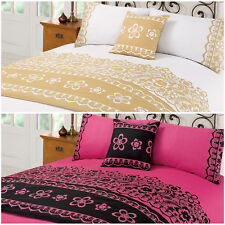 Bedding in a Bag Set with Cushion Cover & Bed Runner – Floral Print