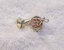 CLASSIC PIN BROOCH FRENCH HORN INSTRUMENT TRUMPET BAND BUGLE JAZZ RHYTHM VL-B3