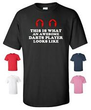 THIS IS WHAT AN AWESOME DARTS PLAYER LOOKS T-SHIRT MENS WOMENS CHILDRENS SIZES