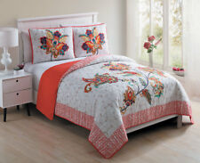 Twin, Full/Queen or King Quilt Paisley Floral Embroidered Filigree Bed Set