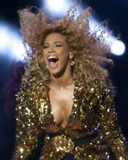 BEYONCE KNOWLES STUNNING BUSTY IN CONCERT PHOTO OR POSTER
