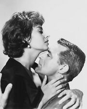 CARY GRANT SOPHIA LOREN EMBRACING HOUSEBOAT RARE PHOTO OR POSTER