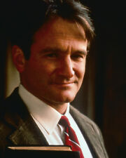 DEAD POETS SOCIETY ROBIN WILLIAMS HOLDINGS BOOKS IN CLASS PHOTO OR POSTER