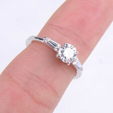Gracious Fashion 925 Sterling Silver White Crystal Ring Size8 Jewelry H491