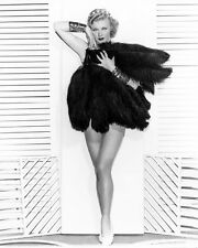 GINGER ROGERS STUNNING LEGGY PIN UP GLAMOUR POSE PHOTO OR POSTER