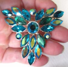 MAGNIFICENT 1950'S PEACOCK GREEN AB DIAMENTE BROOCH - LARGE
