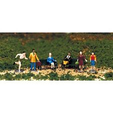Bachmann 42339 HO-Scale People at Leisure Figures (6)