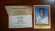1985 - WILLIE MAYS AUTOGRAPHED 852/2000 LIMITED EDITION TOPPS CARD #26 W/COA MT.