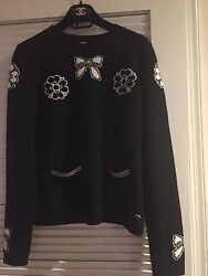 CHANEL Recent Black Ecru Cashmere Bow Camellia Sweater IT40
