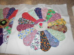 VINTAGE LOT OF 20 DRESDEN PLATE WITH YOYO'S AND BUTTON CENTERS QUILT BLOCKS
