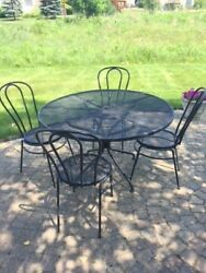 Woodard Wrought Iron Outdoor Cafe Tables & 4 Chairs