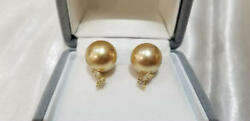 White butterfly pearl Natural Gold earrings