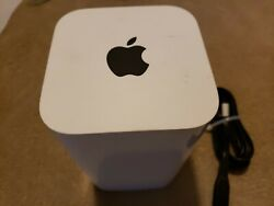 Apple AirPort Extreme Base Station Wireless Router 6th Gen A1521  used in good c