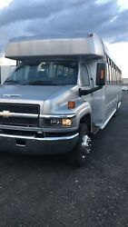 2005 Chevy C5500 v6.6 shuttle bus with 31 passenger