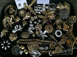 Lot ALL SIGNED TRIFARI Vintage Costume Jewelry Brooch Pin Earrings Necklace