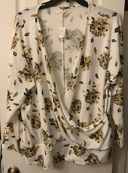 Super cute For Fall Womens Plus Maurices Top Size 2 2x Floral $19.99
