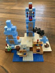 LEGO Minecraft The Ice Spikes 2017 21131 Complete W Minifigs Unboxed $65.00