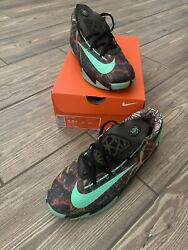 KD VI All Star Kids Shoes Size 5.5Y $21.99