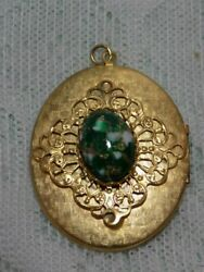VINTAGE PENDANT LOCKET GOLD TONE WITH GREEN MARBLED STONE 1.5quot; NO CHAIN $7.00
