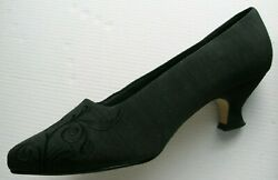 Womens Dress Shoes Size 6W black fabric embossed 1 1 2quot; heel $19.95