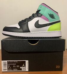 NEW Air Jordan 1 Mid GS Pastel Volt Green Glow Black Size 7Y 554725 175