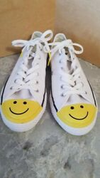 CONVERSE ALL STAR WOMENS 37.5 WHITE WITH YELLOW SMILEY FACE TOE NEW NEVER WORN $40.00
