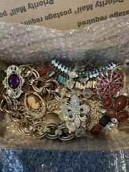 *** ESTATE LOT OF VINTAGE amp; MODERN COSTUME JEWELRY ALL WEARABLE*** $24.99