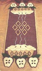 Apple Pie felted wool applique penny rug table runner pattern by Cath's Pennies