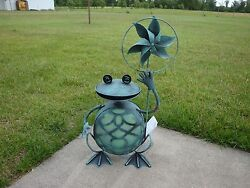 ADORABLE!! Solar LED Lighted Spinner Frog-Garden-Patio-Deck-She Sheds-(A) 21X11
