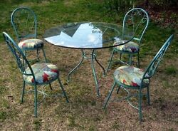 Mid Century Outdoor Wrought Iron Table & Four Hip Patio Chairs 1950's-1960's Era