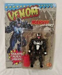 1993 ToyBiz Marvel Super Heroes: Venom Action Figure Squirts Alien Liquid