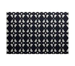E by design ORGN363BL14IV3-57 Geometric Print Outdoor Rug 5' x 7' Navy Blue