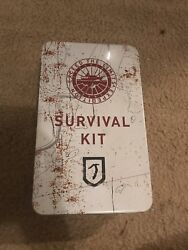 Tomb Raider Collector's Edition Survival Kit CE Xbox 360 - w Lara Croft Figure