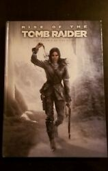 Rise of the Tomb Raider Collector's Edition Strategy Guide Prima w Keychain Ax
