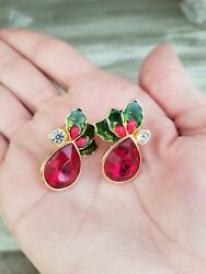Stunning Vintage Holiday Christmas Gold Tone Red Stone Holly Earrings
