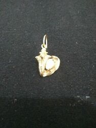 14k GOLD CONCH PENDANT WITH CONCH PEARL