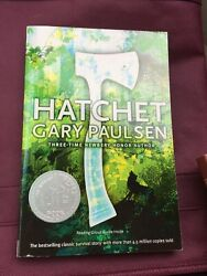 Classic Novel Hatchet by Gary Paulsen - Very Good 2006 Paperback!!