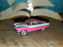 Johnny Lightning Pink And White Ford Victorian 1 64 Scale $9.95
