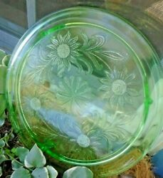 ANTIQUE GREEN VASELINE GLASS FOOTED CAKE PLATE 3 FOOTED URANIUM FLORAL $15.00